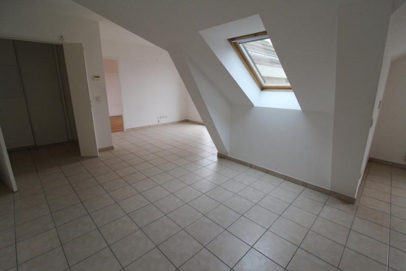 Rental apartment Maurepas 858€ CC - Picture 4