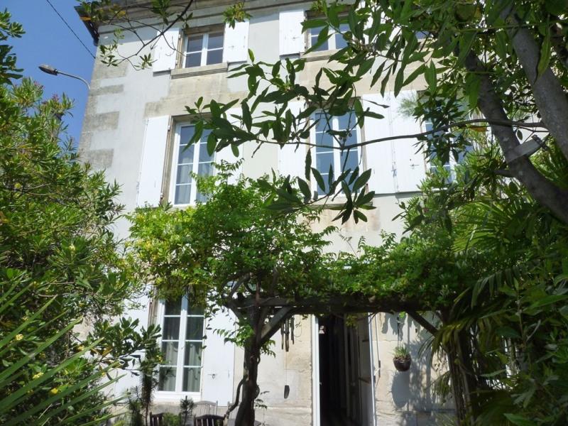 Sale house / villa Cognac 299000€ - Picture 1