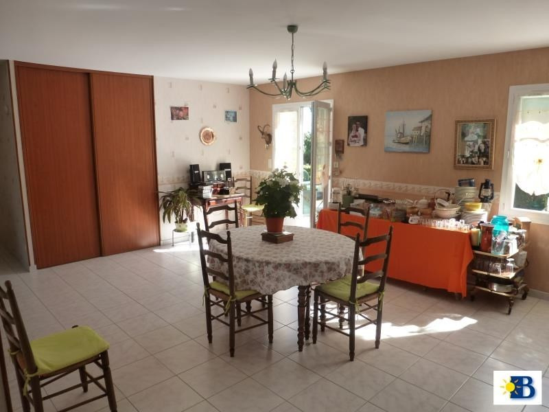 Vente maison / villa Antran 159 000€ - Photo 2