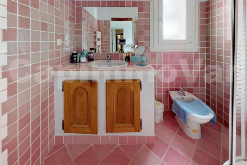 Deluxe sale house / villa Signes 640000€ - Picture 10