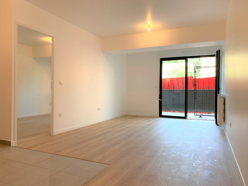Rental apartment Pontoise 789€ CC - Picture 2