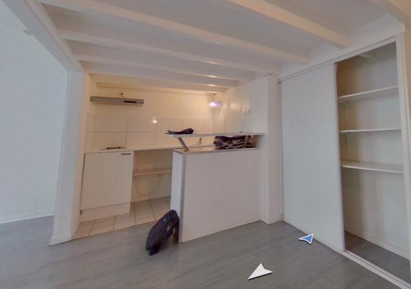 Rental apartment Lyon 2ème 723€ CC - Picture 2