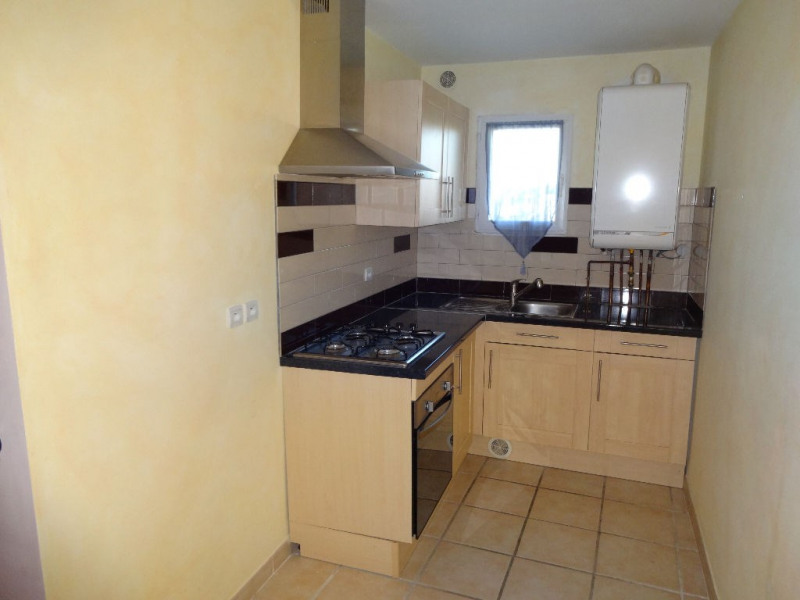Rental apartment Althen des paluds 680€ CC - Picture 3