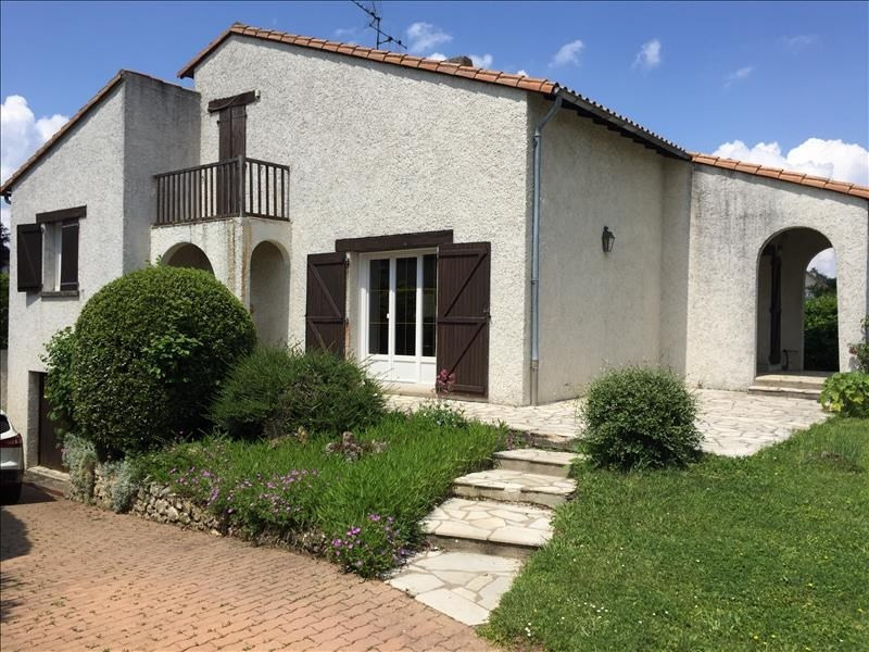 Sale house / villa Fontaine le comte 254000€ - Picture 2
