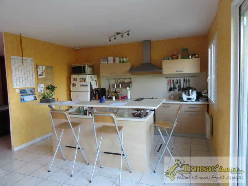 Vente maison / villa Puy guillaume 208 000€ - Photo 3