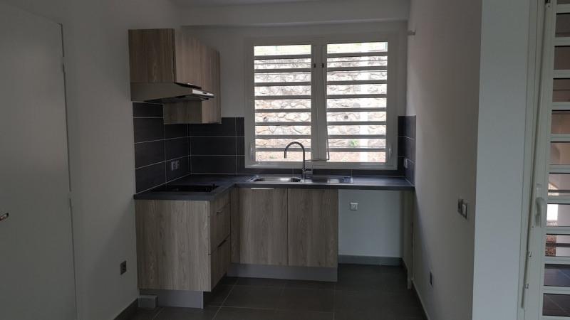 Location appartement St denis camelias 651€ CC - Photo 3