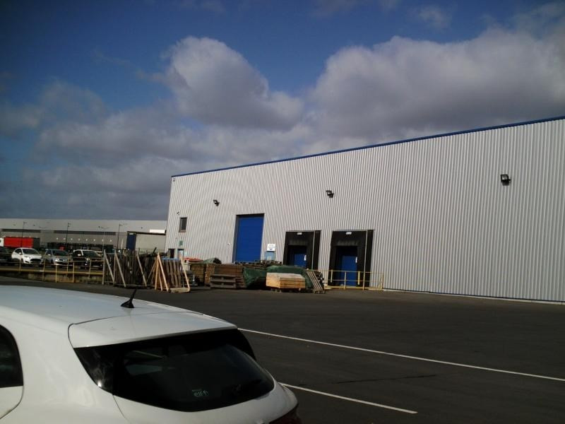 Location local commercial Noyelles godault 7500€ HT/HC - Photo 3