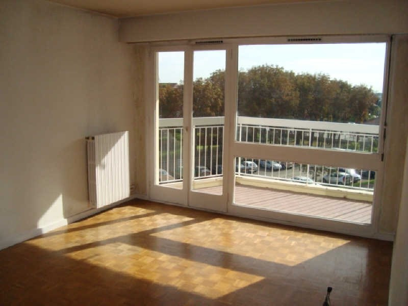 Location appartement Marly le roi 932€ CC - Photo 1