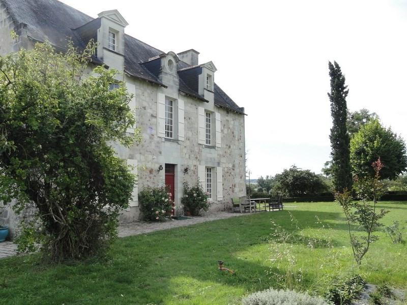 Ensemble XVè de 3 maisons de 180,60 et 70 m² habitables