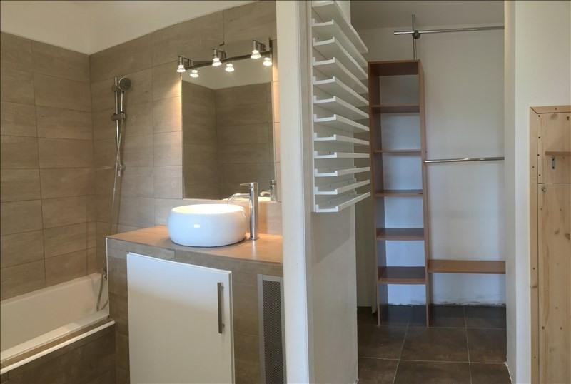 Rental apartment Charbonnieres les bains 800€ CC - Picture 10