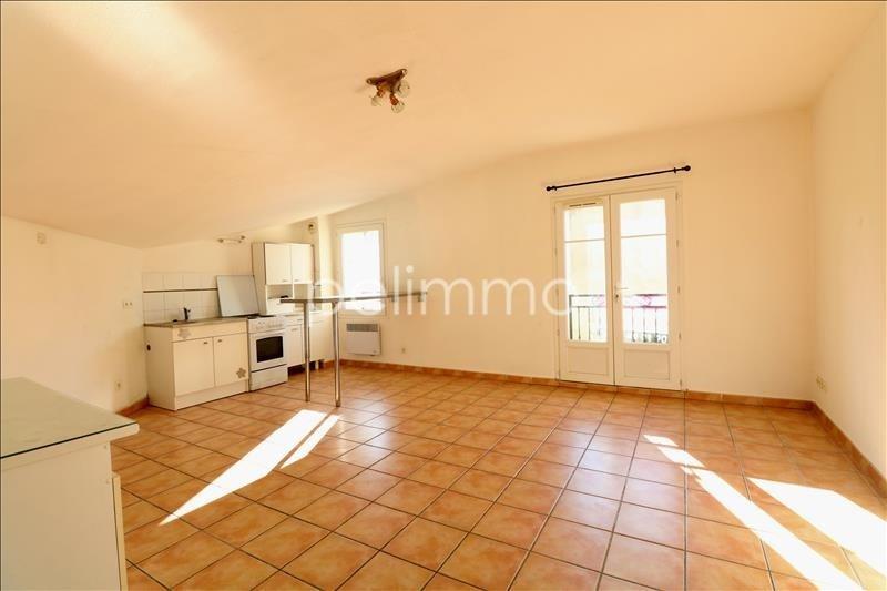 Rental apartment Salon de provence 561€ CC - Picture 3