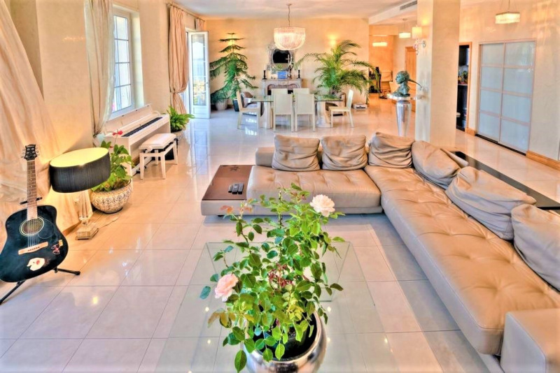 Deluxe sale apartment Cannes 1 685 000€ - Picture 6