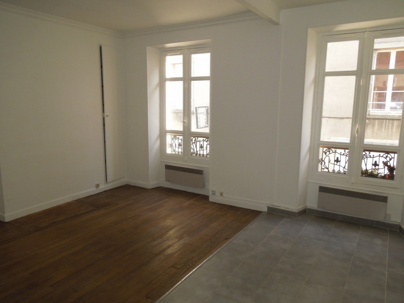 Location appartement Melun 655€ CC - Photo 1