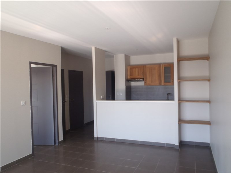 Rental apartment Montelimar 580€ CC - Picture 1