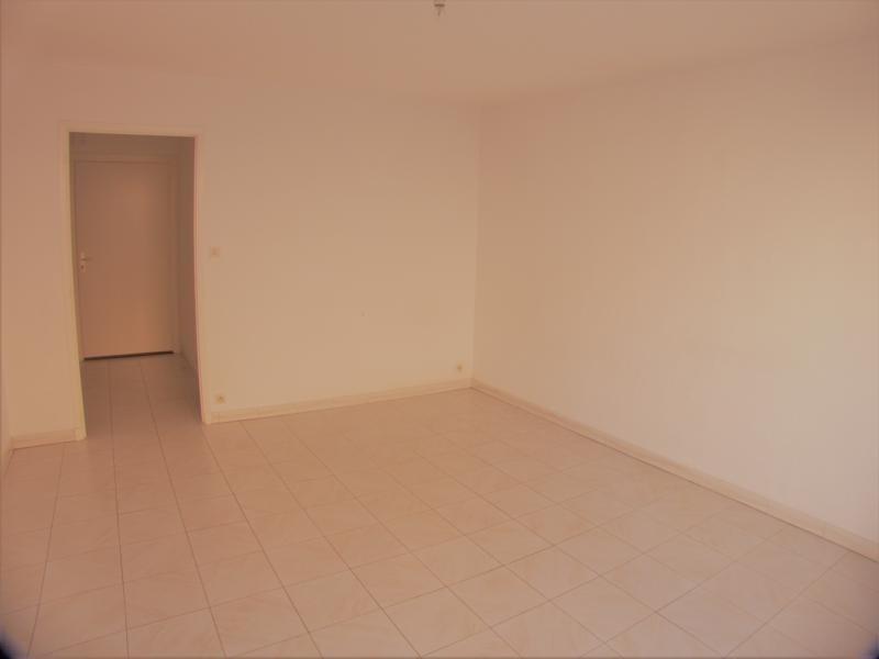 Sale apartment Sanary sur mer 221000€ - Picture 3