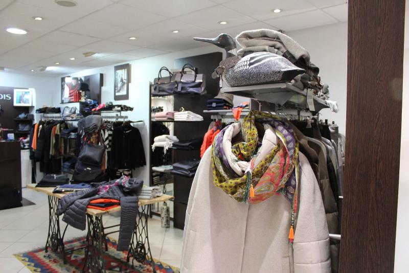 Commercial property sale shop Le puy en velay 66500€ - Picture 4