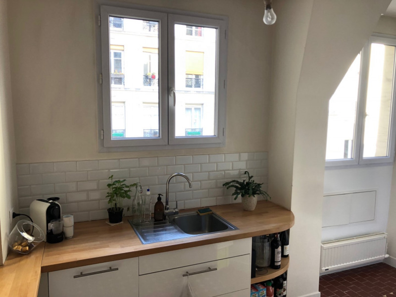 Sale apartment Paris 10ème 695 000€ - Picture 2