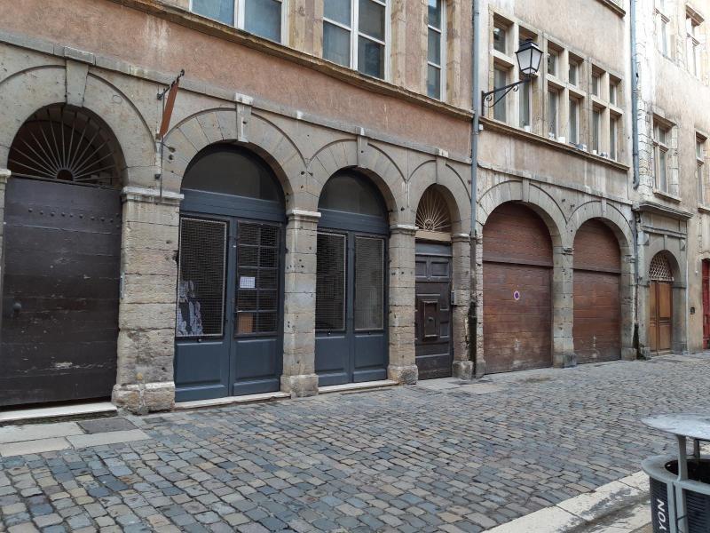 Location boutique Lyon 5ème 832€ CC - Photo 1