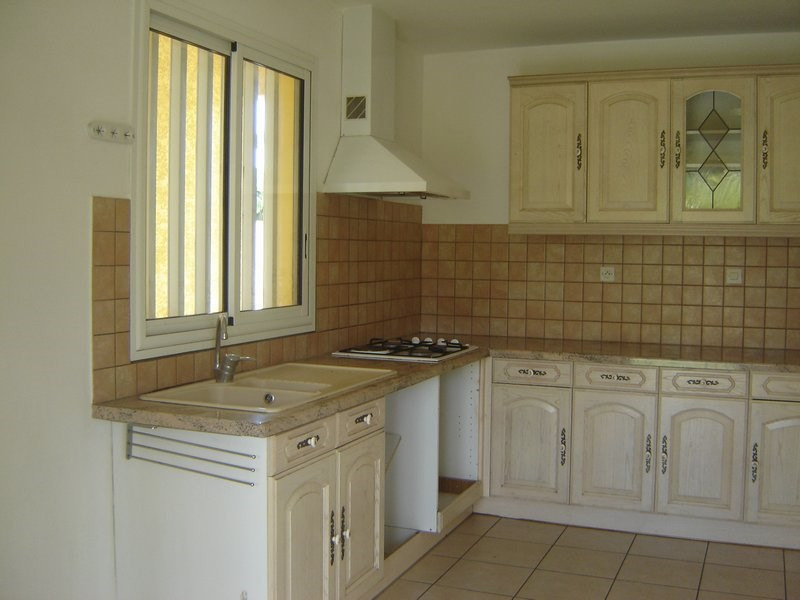 Location maison / villa La possession 1 351€ CC - Photo 4