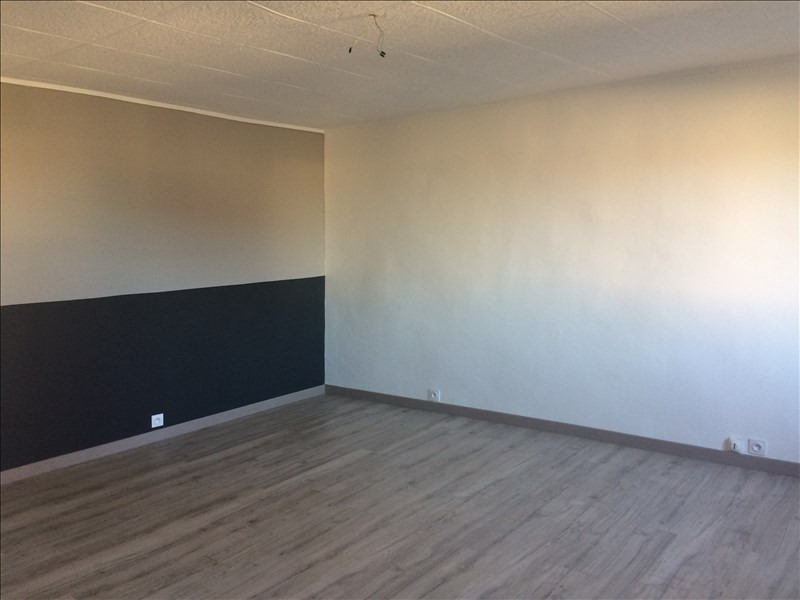 Location appartement La roche sur foron 840€ CC - Photo 3