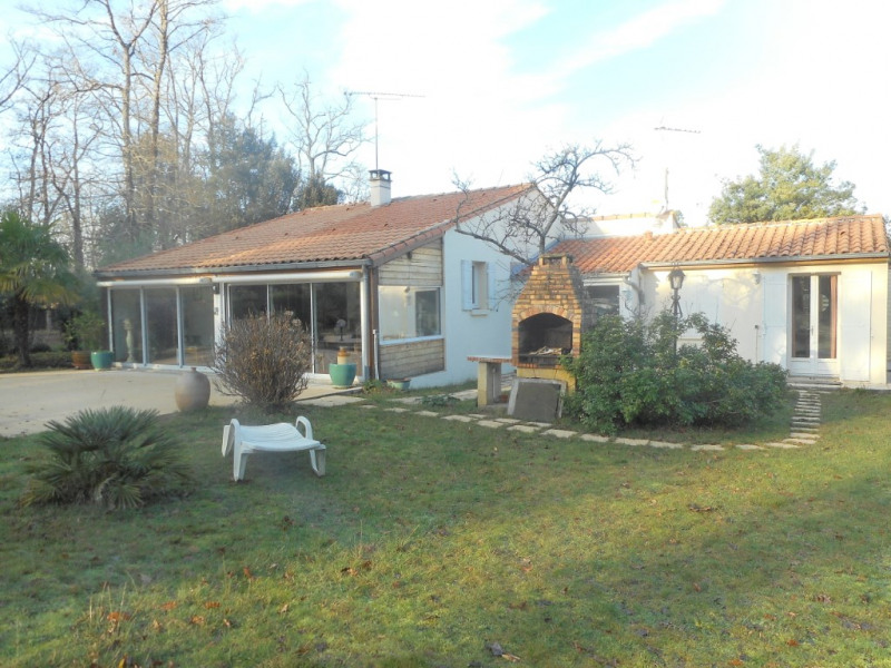 Sale house / villa Breuillet 378 000€ - Picture 1