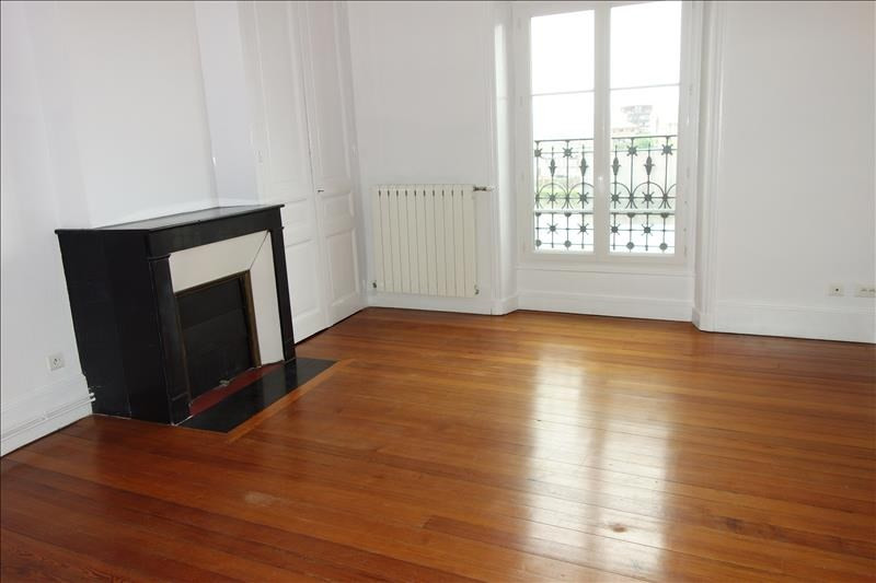 Location appartement Roanne 349€ CC - Photo 2