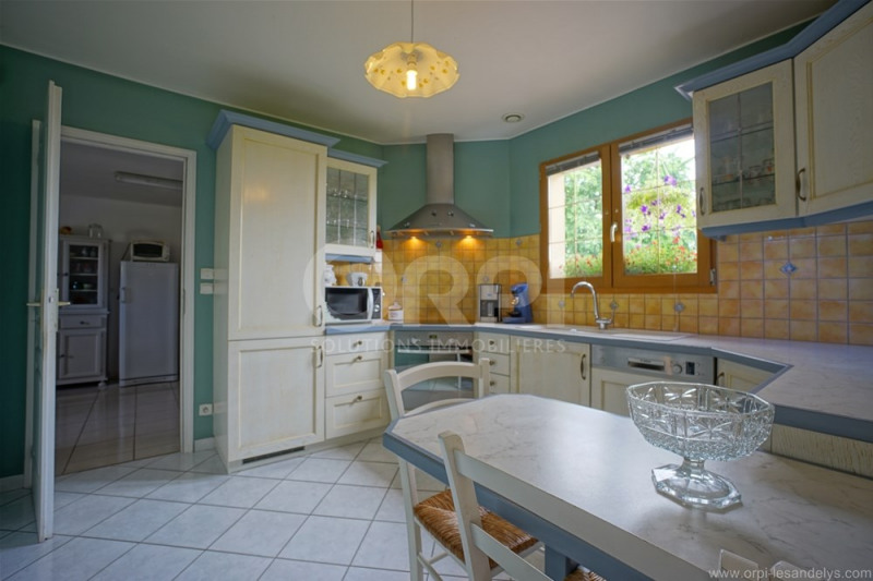 Vente maison / villa Saint-clair-sur-epte 315 000€ - Photo 4