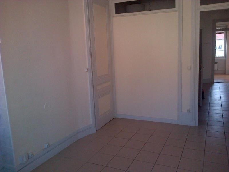 Location appartement Lyon 6ème 991€ CC - Photo 7