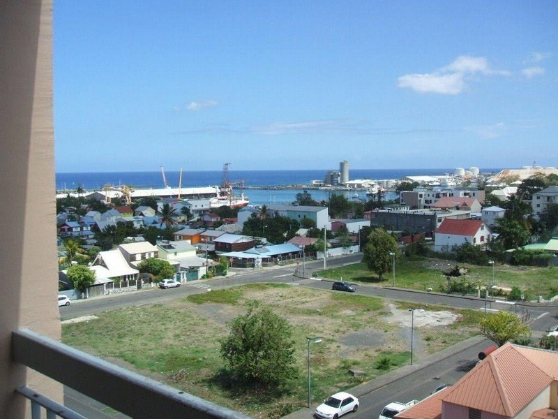 Sale apartment Le port 99 000€ - Picture 4