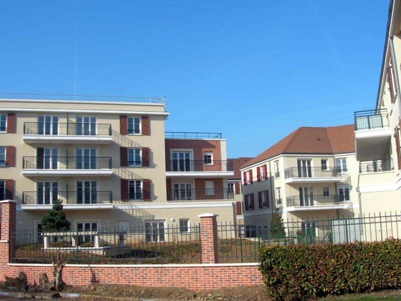 Locação apartamento Voisins le bretonneux 865€ CC - Fotografia 1