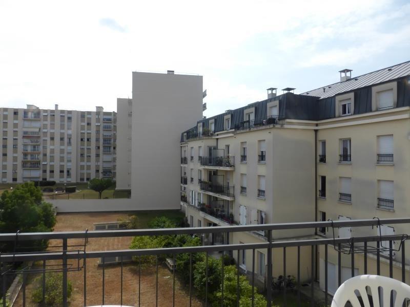 Rental apartment Villemomble 860€ CC - Picture 1
