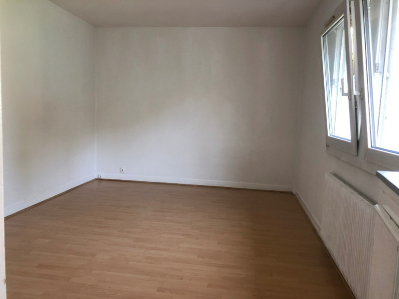 Location maison / villa Viry chatillon 750€ CC - Photo 3