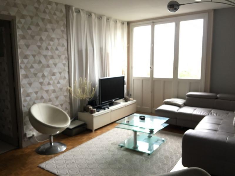 Location appartement Clamart 921€ CC - Photo 1