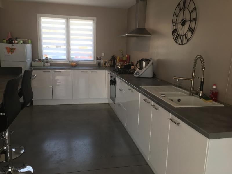 Location maison / villa Bourg de peage 810€ CC - Photo 2