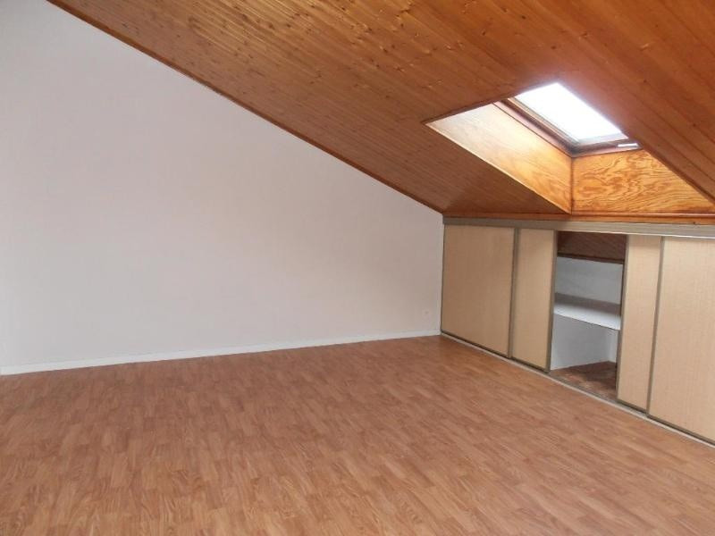 Location appartement 01100 230€ CC - Photo 1