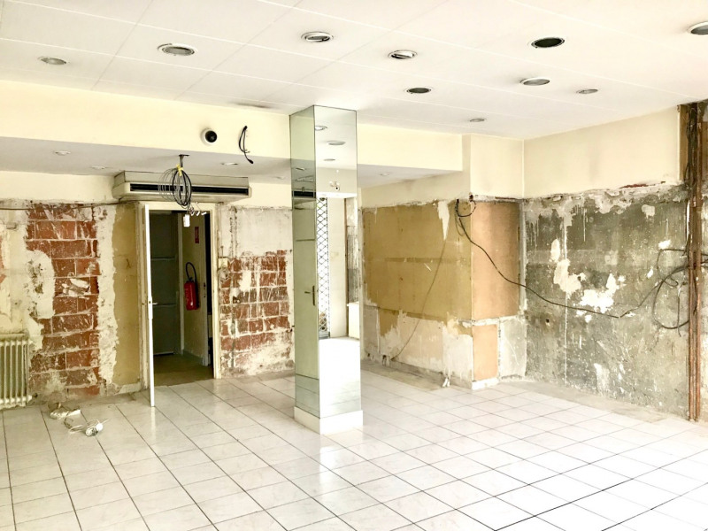 Sale empty room/storage Lyon 8ème 240000€ - Picture 3