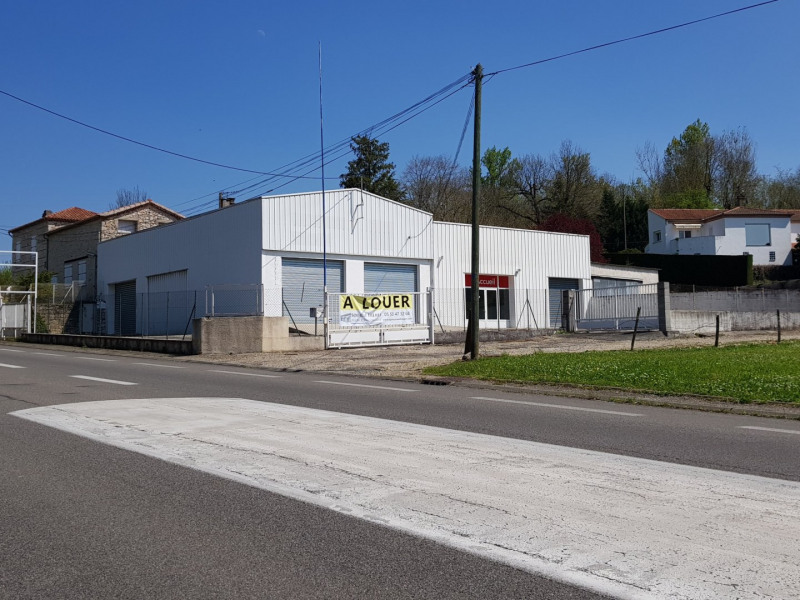 Location local commercial Bon encontre 1 500€ HT/HC - Photo 1