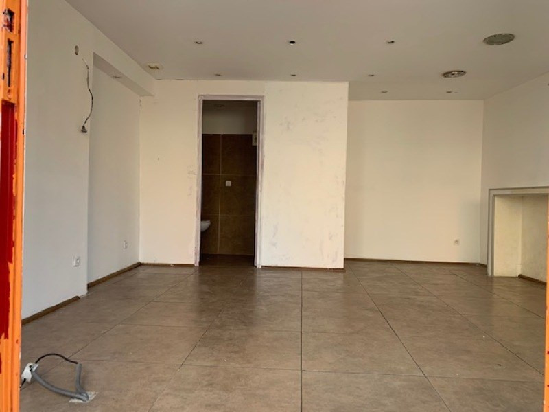 Rental empty room/storage La seyne-sur-mer 350€ +CH - Picture 2