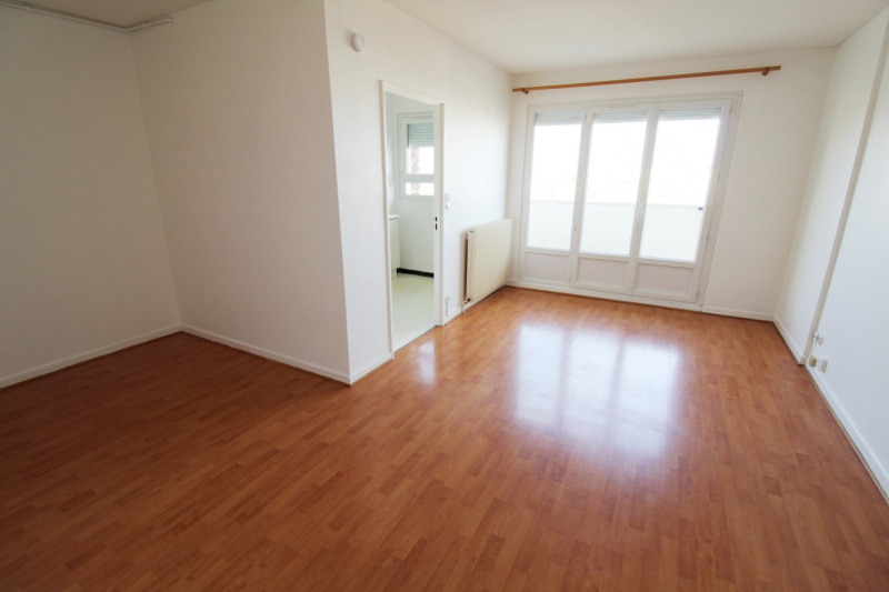 Location appartement Elancourt 623€ CC - Photo 1