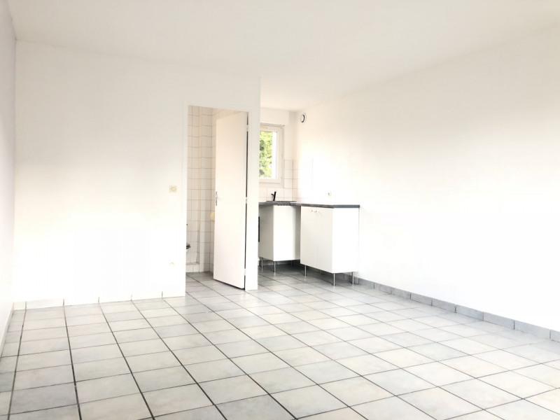 Location appartement Pierrelaye 514€ CC - Photo 2