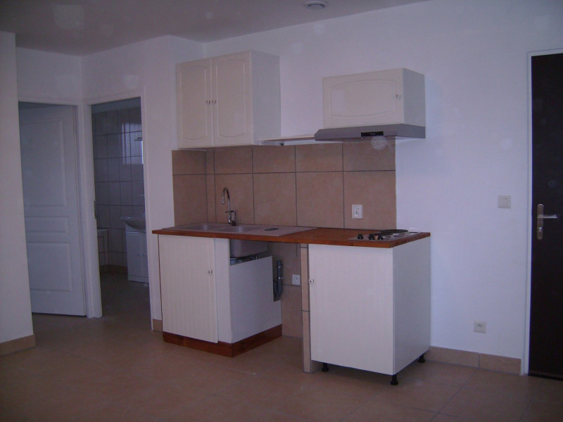 Location appartement Linas 645€ CC - Photo 1