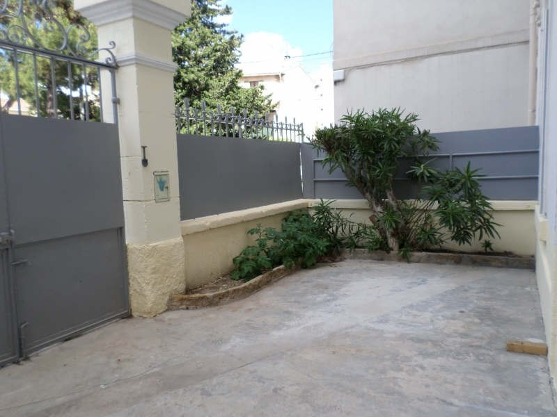 Rental apartment Salon de provence 765€ CC - Picture 2