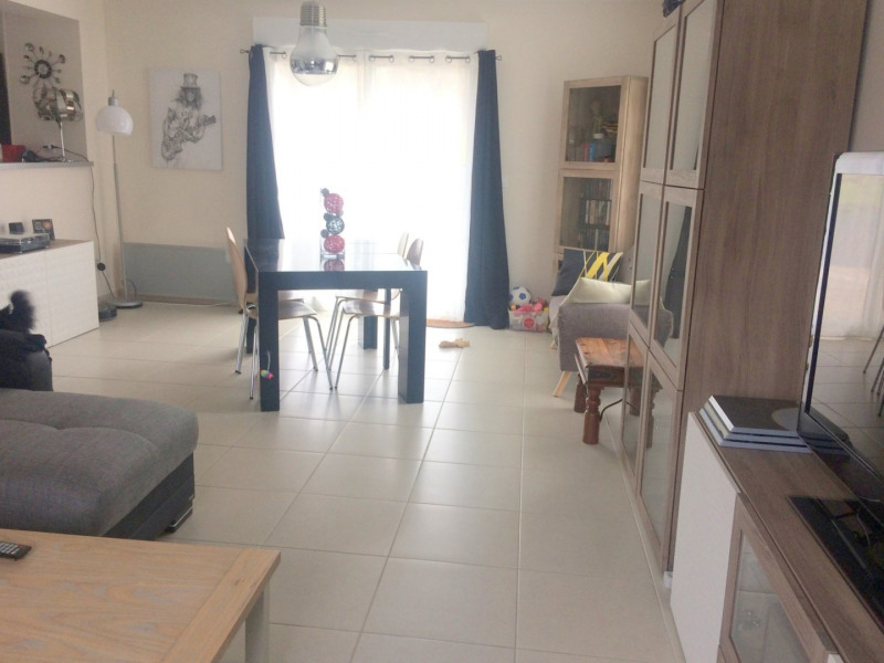 Location maison / villa St desir 1 000€ CC - Photo 2