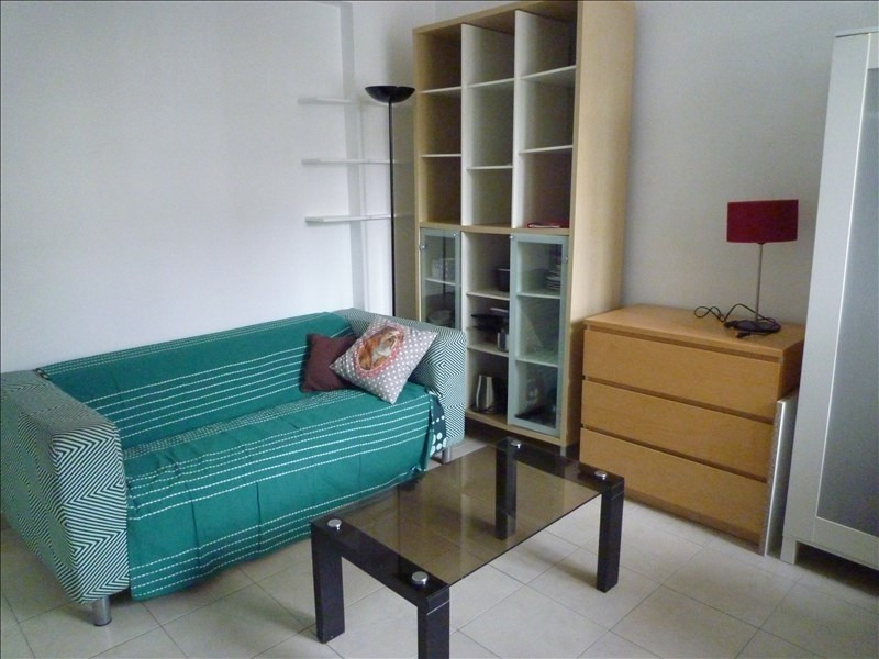 Location appartement Paris 5ème 805€ CC - Photo 1