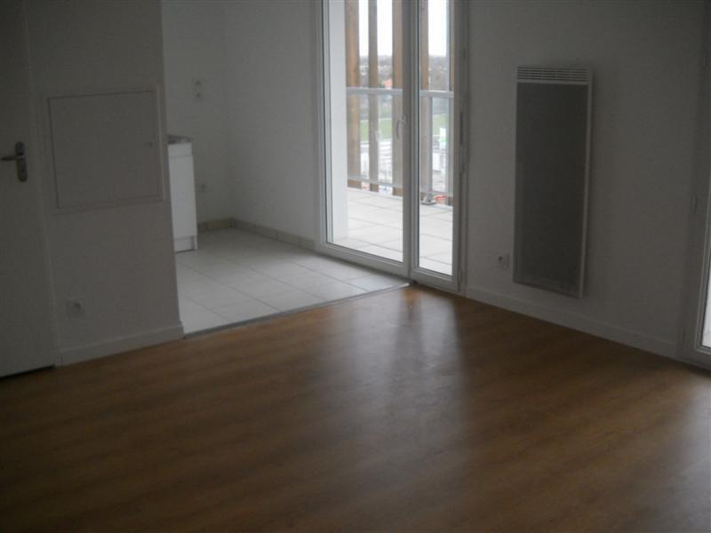 Location appartement Nantes 385€ CC - Photo 2