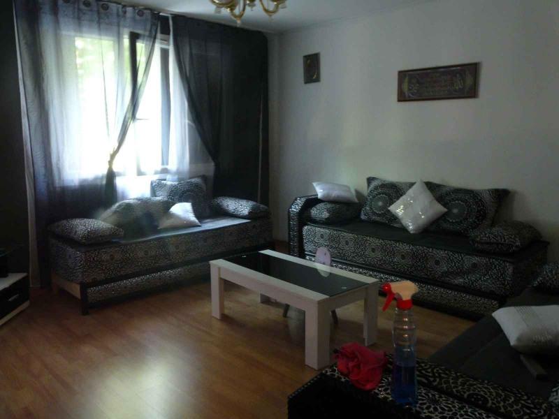 Sale apartment Chambon-feugerolles (le) 74000€ - Picture 3