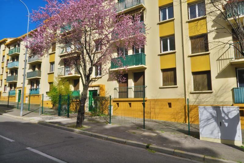 Location appartement Aix en provence 950€ CC - Photo 9