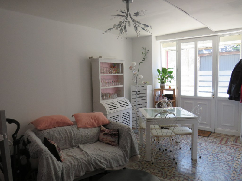 Sale house / villa Cosse le vivien 86000€ - Picture 2