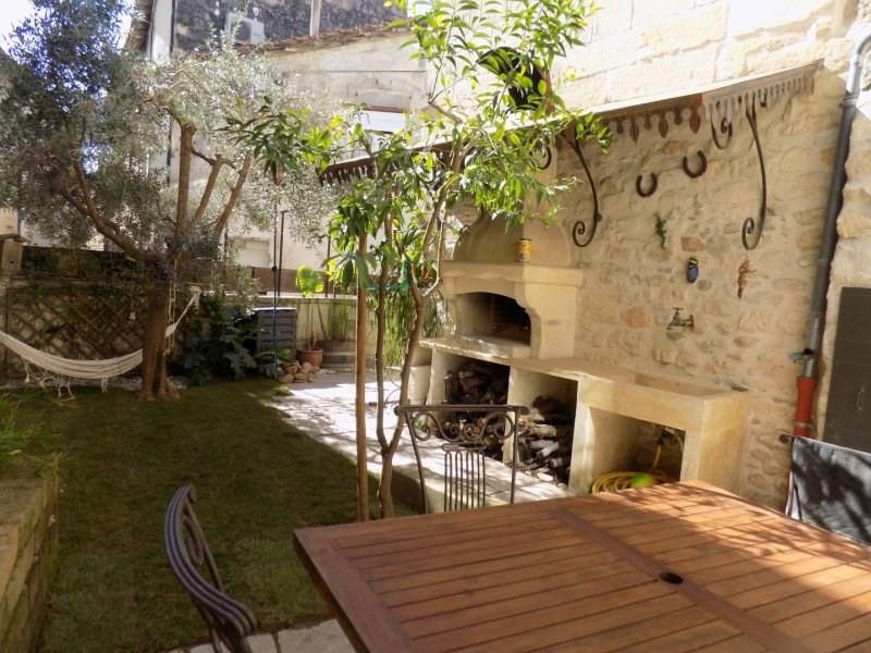 Sale house / villa Vallabrègues 299000€ - Picture 1