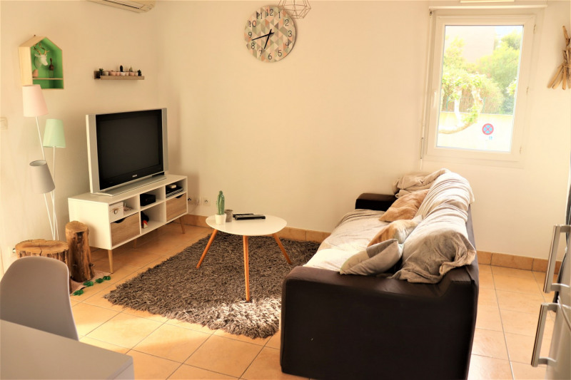 Rental apartment Cavalaire 800€ CC - Picture 1